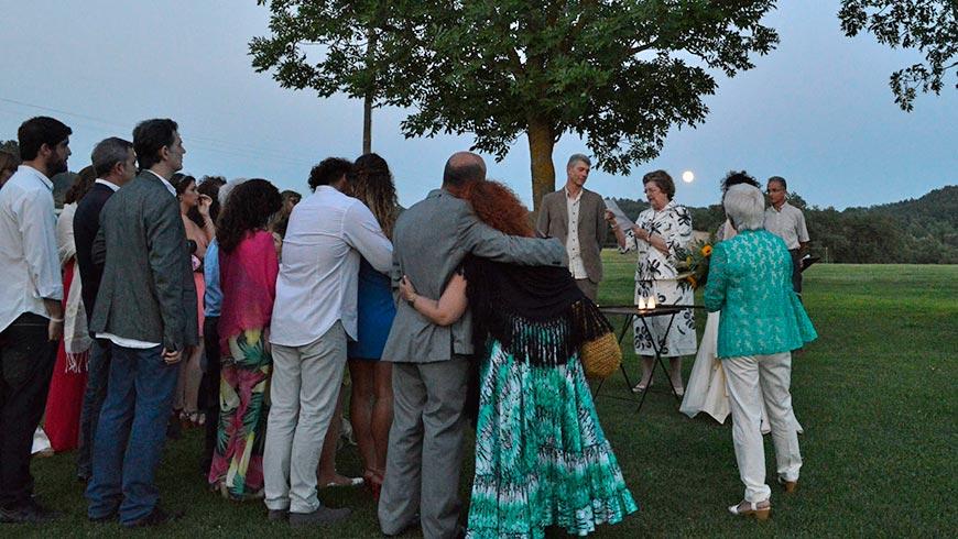 Cerimònia de casament a la masia La Tria