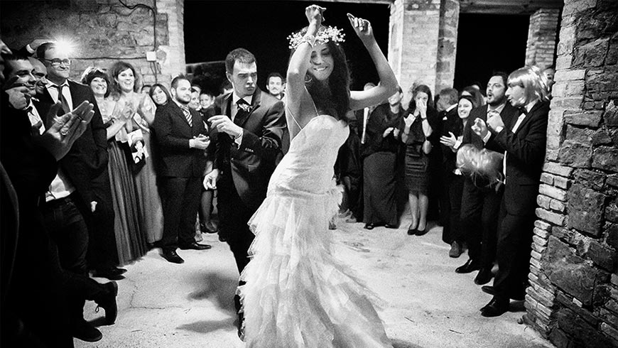 Wedding dance in the country house La Tria